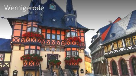 """Die """"bunte Stadt im Harz"""" kann man von uns aus in gut 45 min erkunden. Besuchen Sie das historische Schloss, welches sich über der Stadt erhebt, oder das berühmte Rathaus von Wernigerode im Zentrum der historischen Harzstadt."""